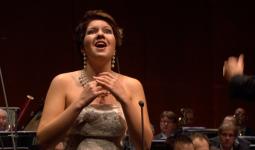 Nadine Koutcher – Jeppe Moulijn Et fit lux – Rimsky-Korsakov